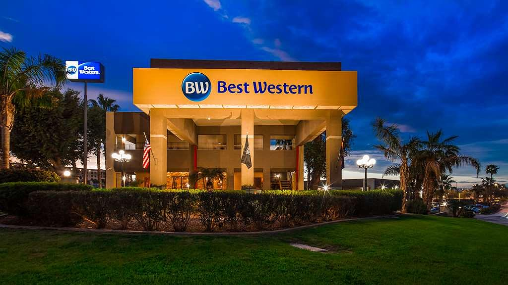 Best Western Yuma Mall Hotel & Suites - Yuma Mall Hotel & Suites Exterior