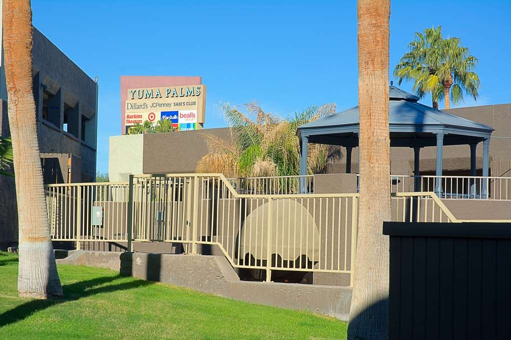 Best Western InnSuites Yuma Mall Hotel & Suites - Grounds