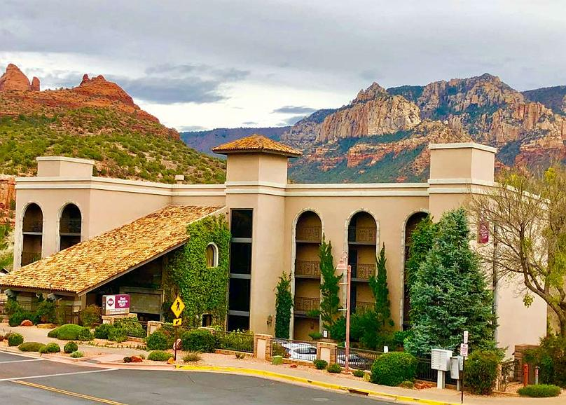 Best Western Plus Arroyo Roble Hotel & Creekside Villas - Vista exterior