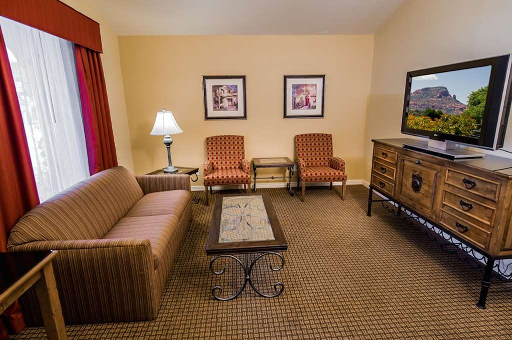 Best Western Plus Arroyo Roble Hotel & Creekside Villas - Suite