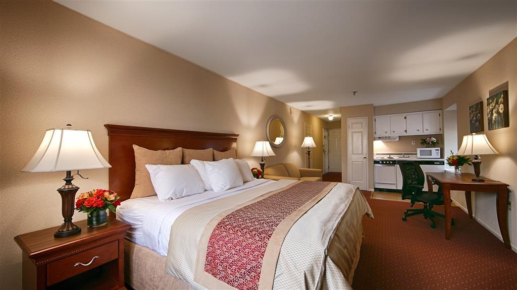 Best Western Westfield Inn - Guest Room