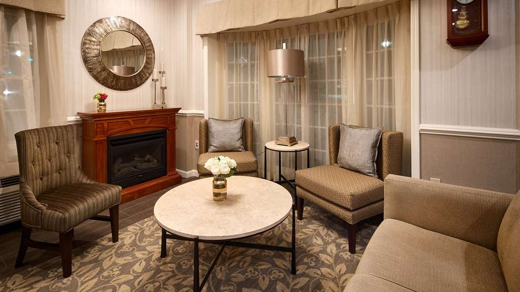Best Western Westfield Inn - Newly Renovated Lobby