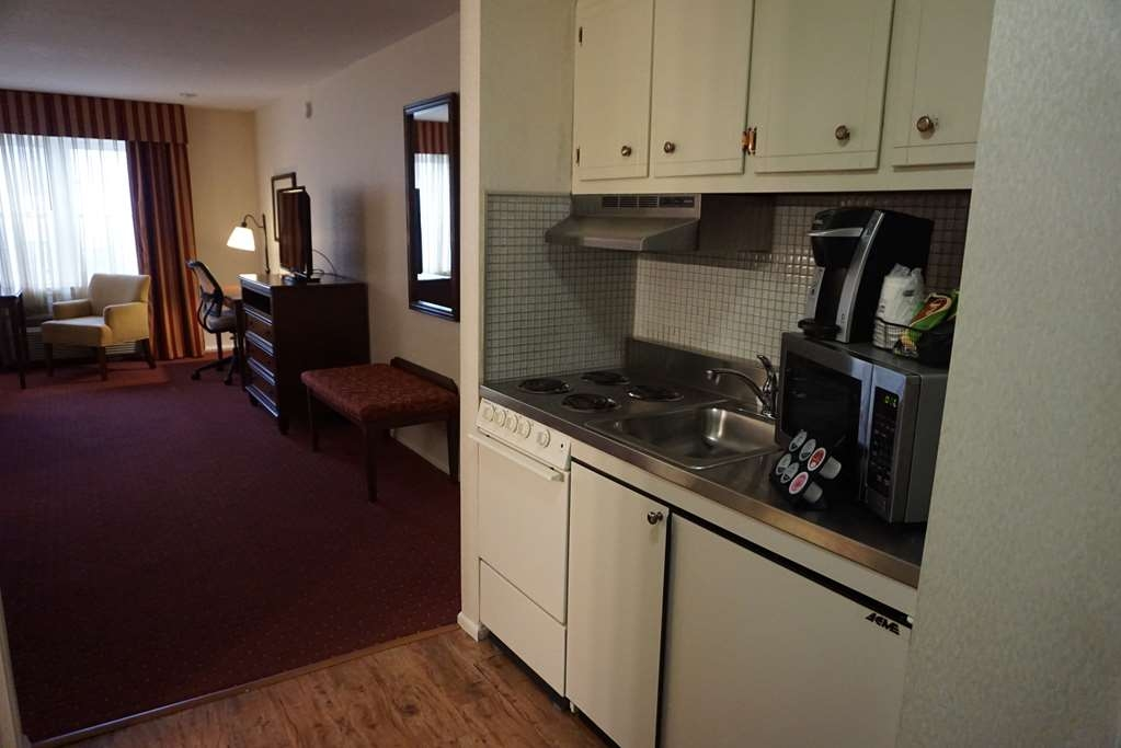 Best Western Westfield Inn - Room Kitchen