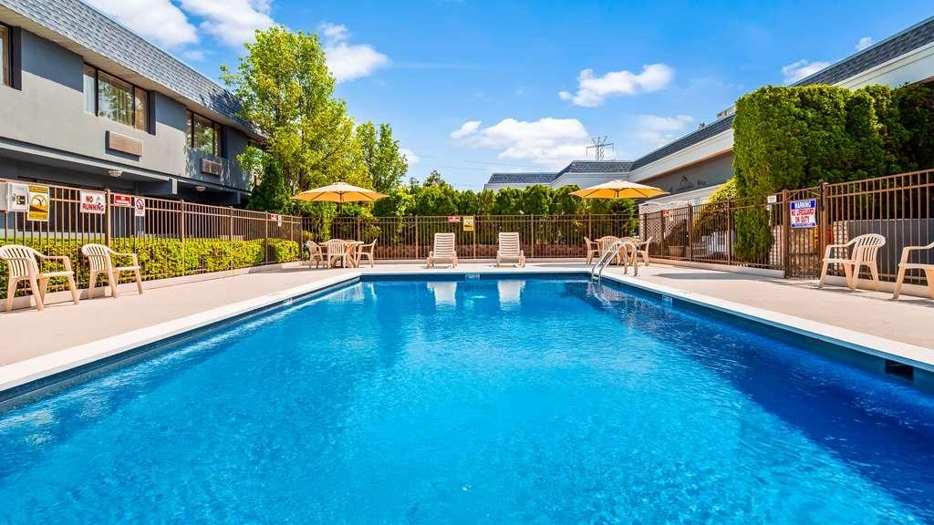 Best Western Leisure Inn - Vista de la piscina
