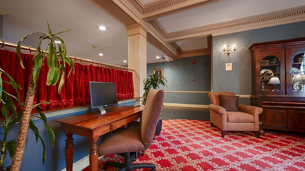 Best Western Plus Morristown Inn - In lobby business center.