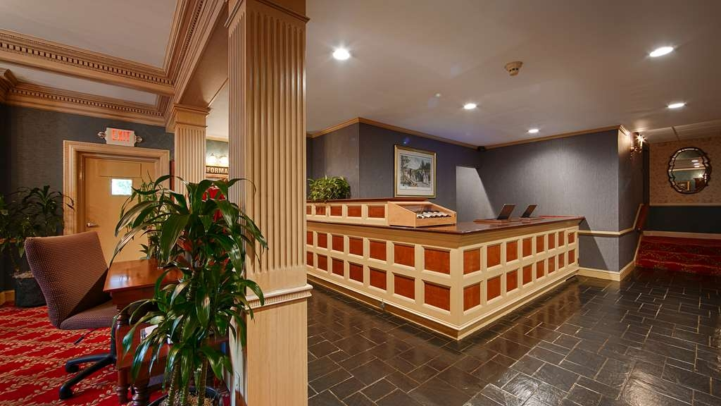 Best Western Plus Morristown Inn - Front Desk