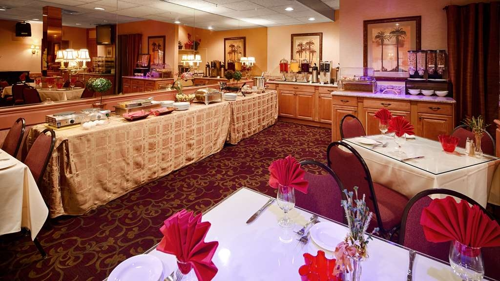 Best Western Plus Morristown Inn - Breakfast Area