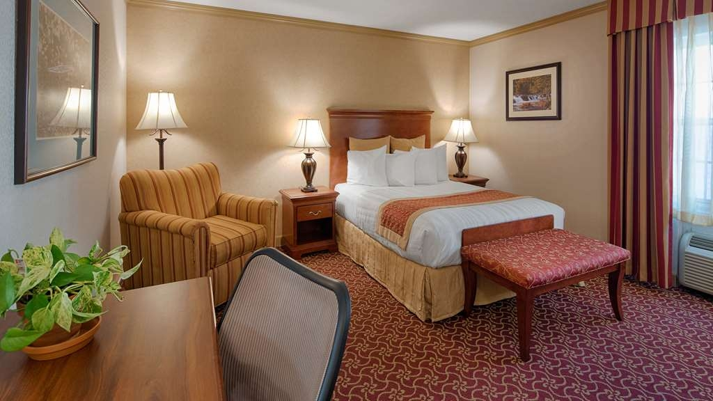 Best Western Plus Morristown Inn - One Queen Bed Guest Room