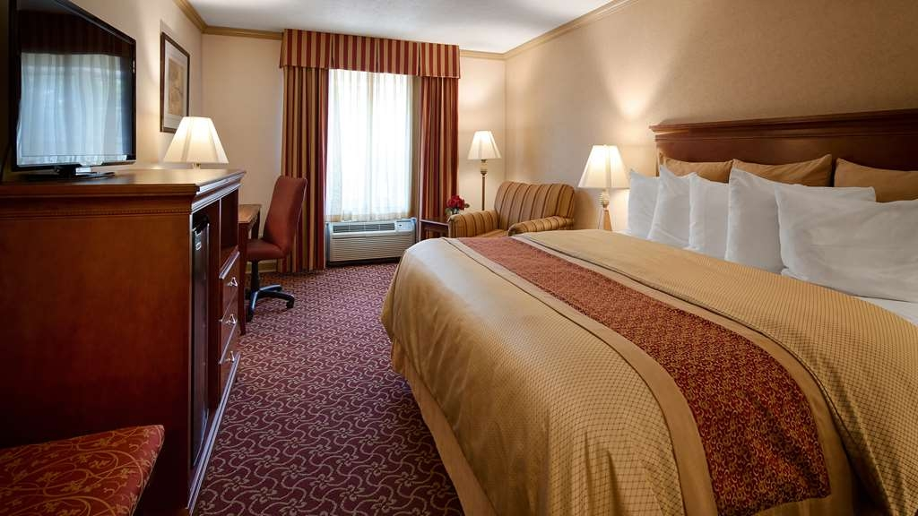 Best Western Plus Morristown Inn - Deluxe King Bed Guest Room