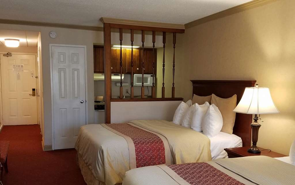 Best Western Plus Morristown Inn - Deluxe Two Queen Suite
