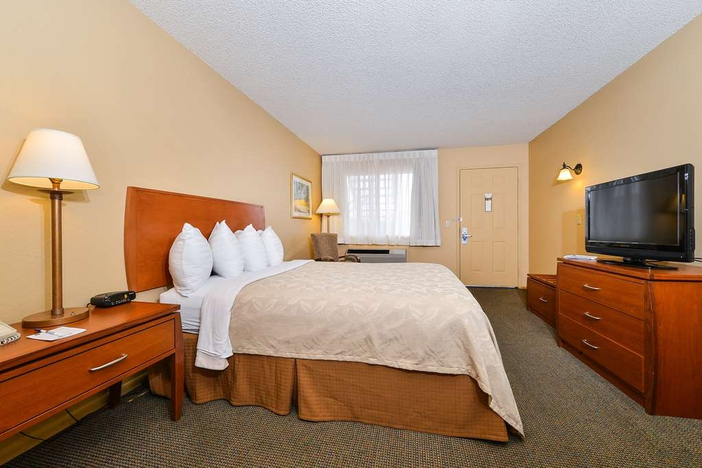 Best Western Cottonwood Inn - Chambre king size traditionnelle offrant les conforts d'un véritable chez-soi.