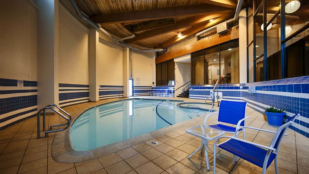 Best Western Bordentown Inn - Vue de la piscine