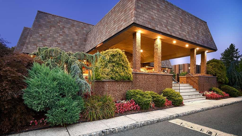 Best Western Plus Murray Hill Hotel and Suites - Area esterna