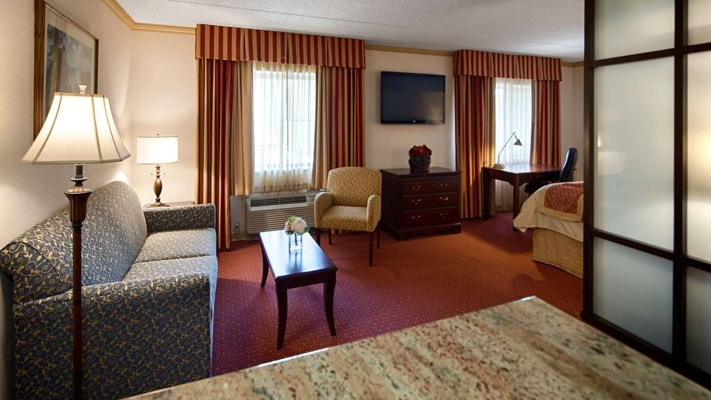 Best Western Plus Murray Hill Hotel and Suites - Executive King Suite