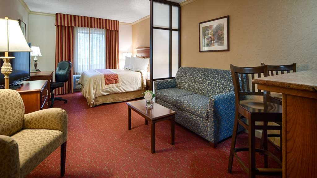 Best Western Plus Murray Hill Hotel and Suites - Suite