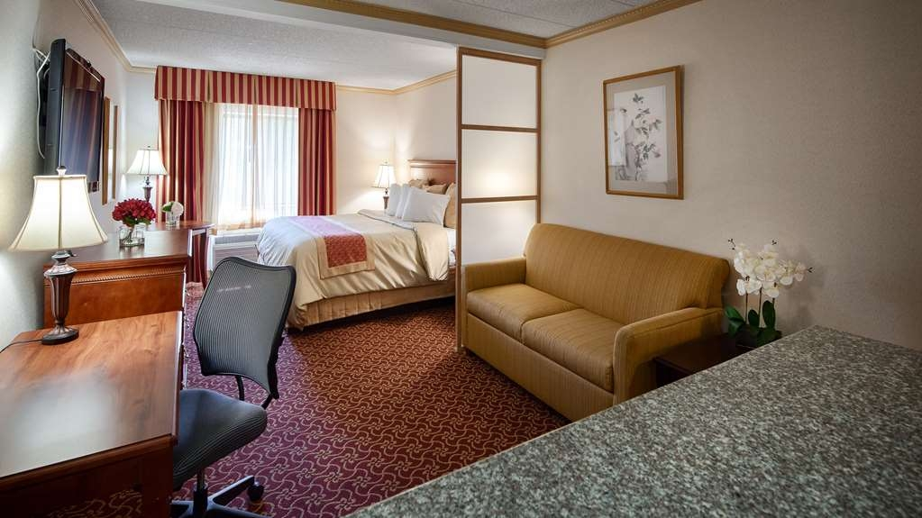 Best Western Plus Murray Hill Hotel and Suites - Presidential King Suite
