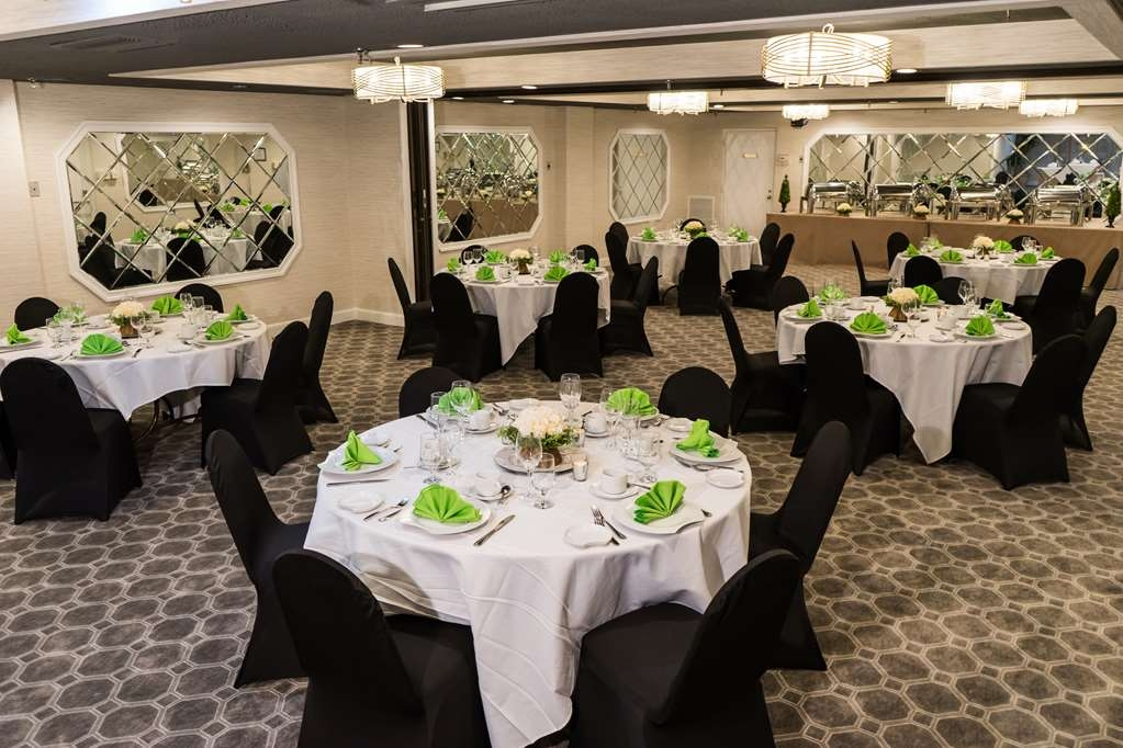 Best Western Plus Murray Hill Hotel and Suites - Ballroom
