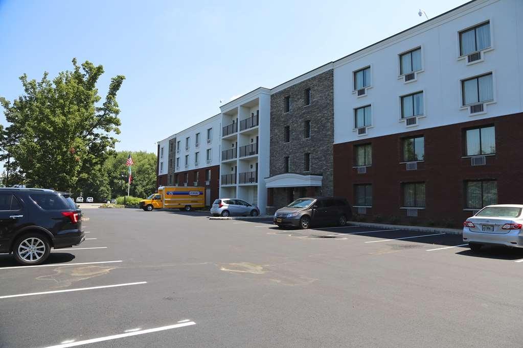 Best Western Plus Fairfield Executive Inn - Façade