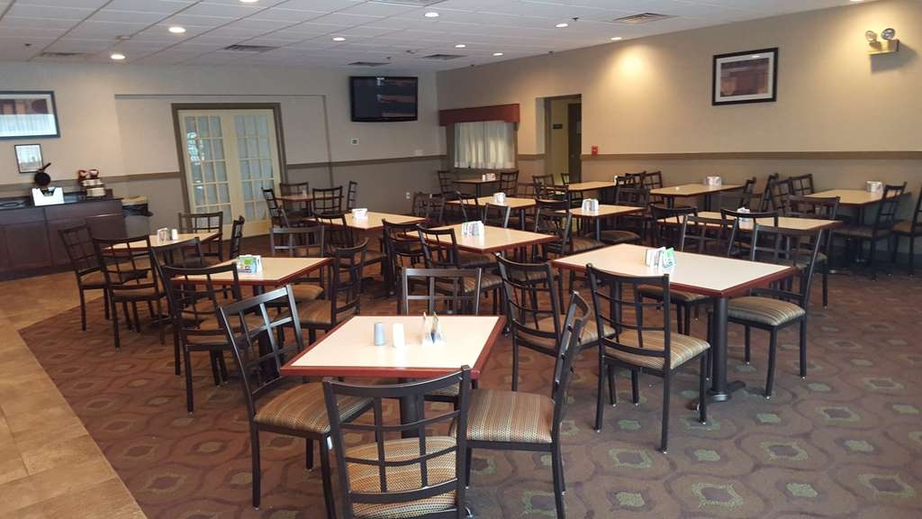 Best Western Philadelphia South - West Deptford Inn - Breakfast is served daily in our dining area from 6 a.m. to 9 a.m.