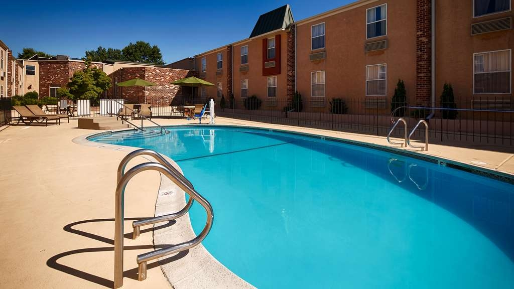 Best Western Philadelphia South - West Deptford Inn - Enjoy our outdoor pool from Memorial Day to Labor Day!