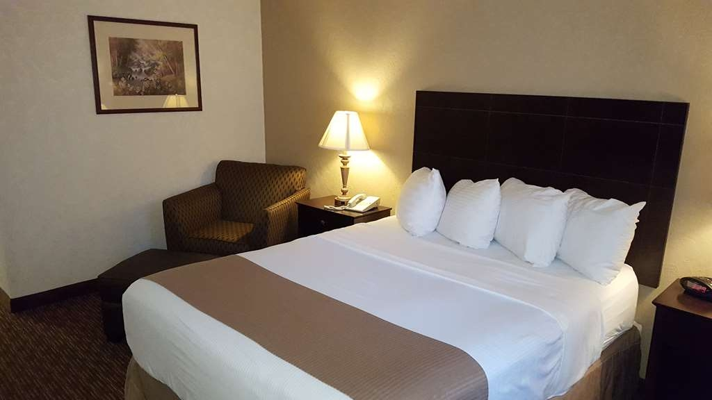 Best Western Philadelphia South - West Deptford Inn - Queen Mobility Accessible
