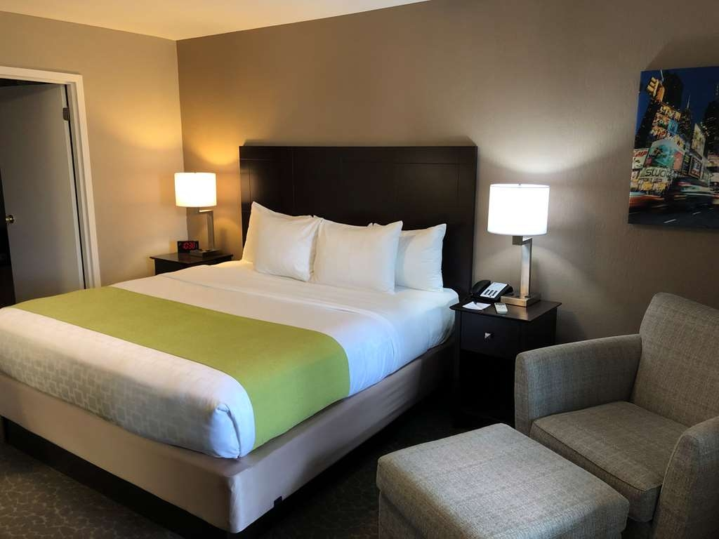 Best Western Fort Lee - King Room