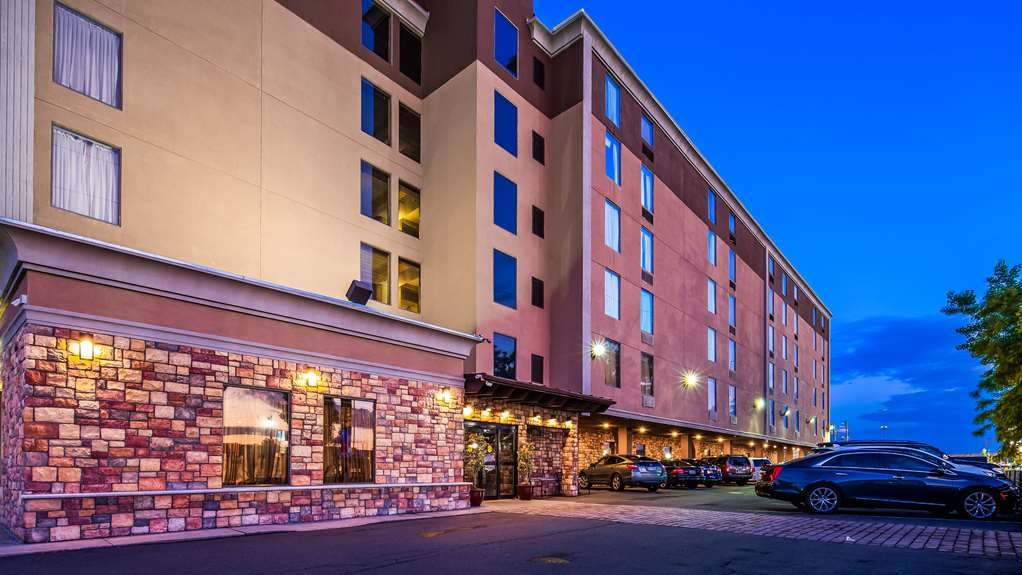 Best Western Plus Newark Airport West - Vista Exterior