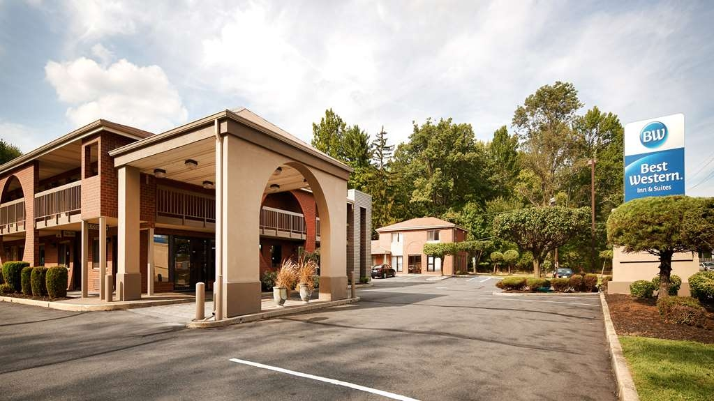 Best Western Princeton Manor Inn & Suites - Pull up and make yourself at home at the Best Western Princeton Manor Inn & Suites.