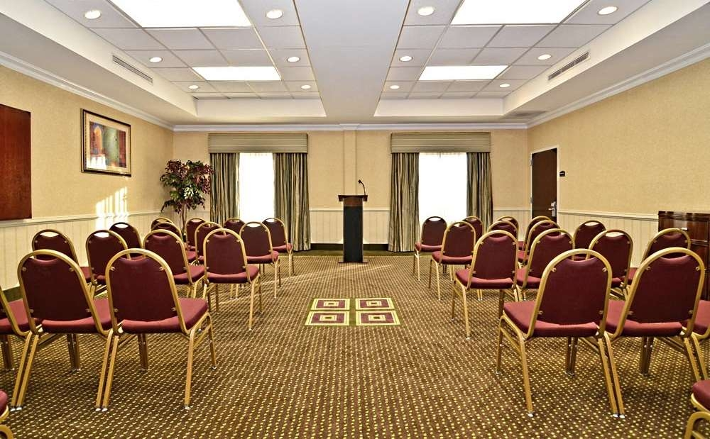 Best Western Riverview Inn & Suites - Make our complimentary podium the centerpiece of your presentation.