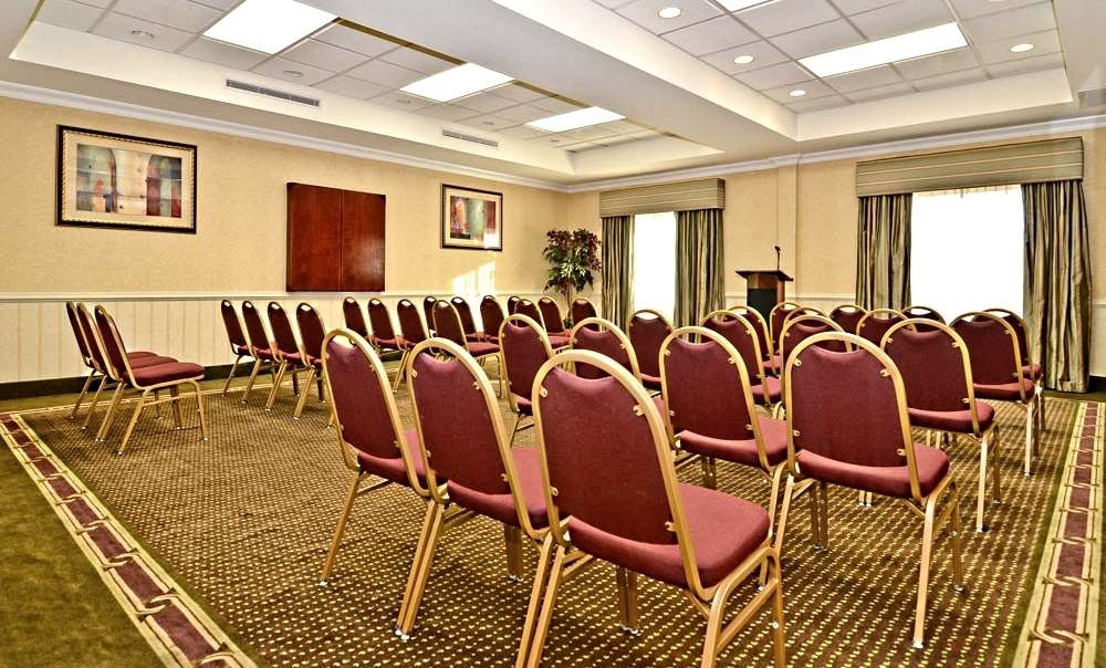 Best Western Riverview Inn & Suites - Our convenient meeting room is perfect for small meetings or seminars.