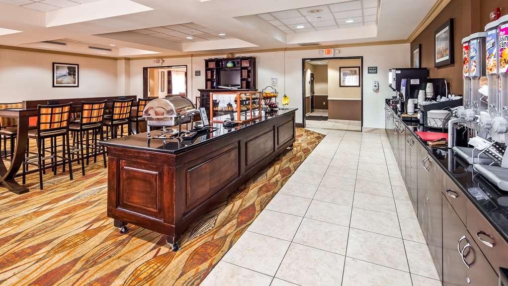 Best Western Riverview Inn & Suites - Breakfast Area