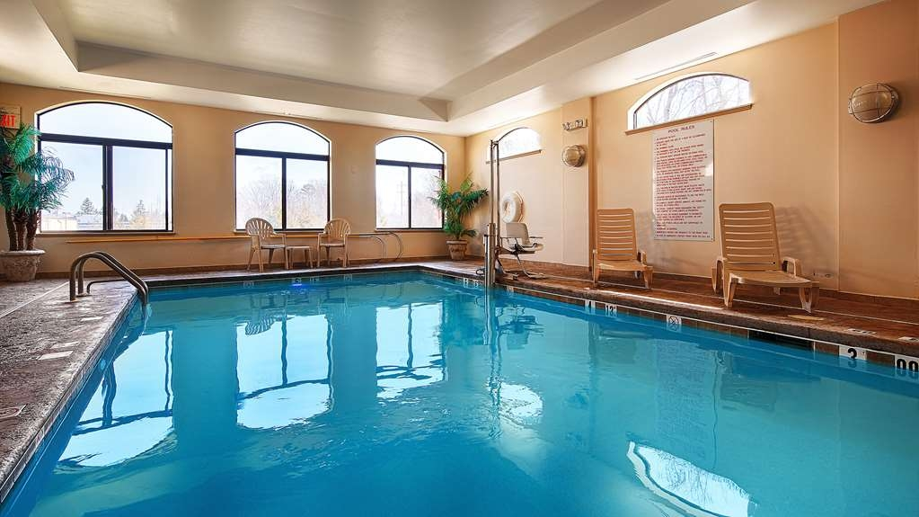 Best Western Monroe Inn & Suites - Jump into our indoor pool for a swim anytime of the day.