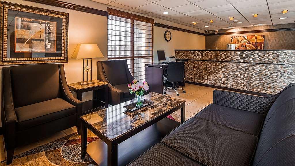 SureStay Hotel by Best Western East Brunswick - Vue du lobby