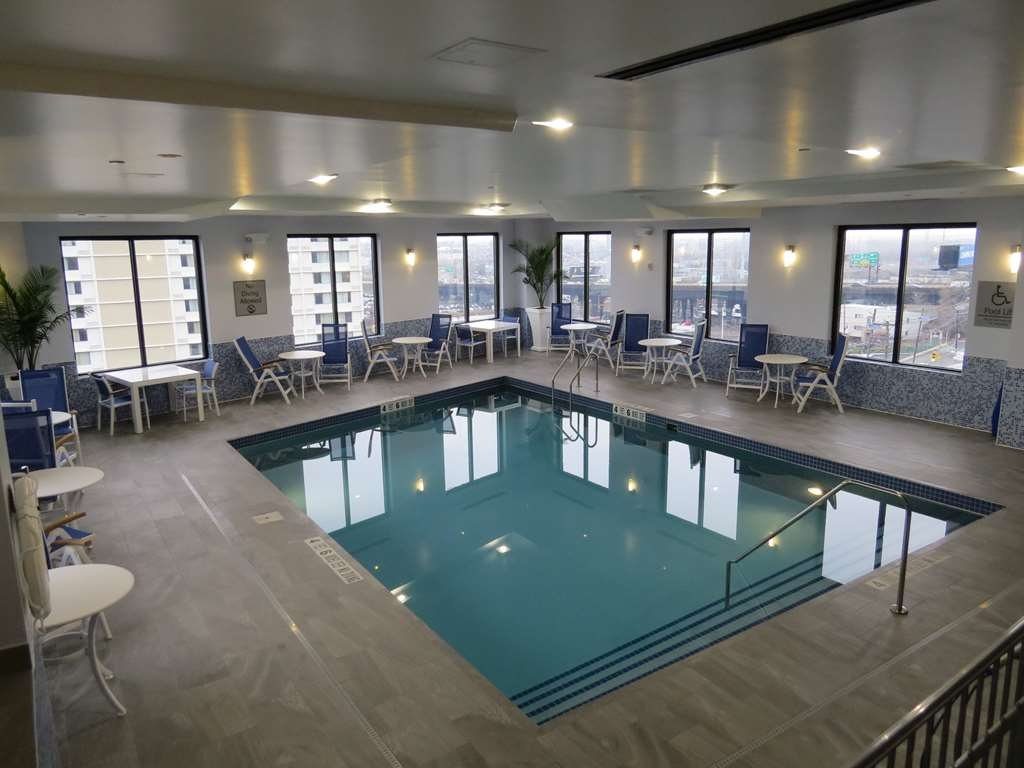 Best Western Premier NYC Gateway Hotel - Now matter what seasons, our indoor pool always has the perfect weather for a swim.