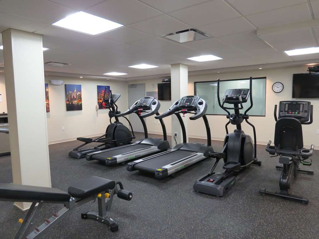 Best Western Premier NYC Gateway Hotel - Maintain your fitness routine during your stay with us in our fitness center.