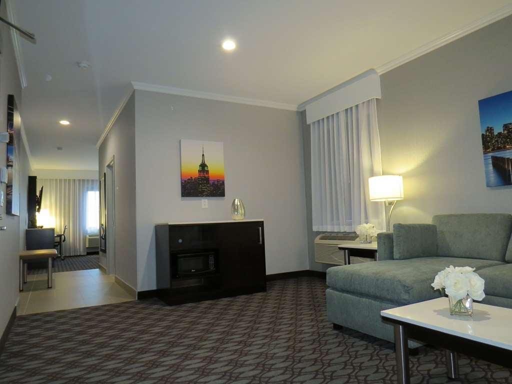 Best Western Premier NYC Gateway Hotel - Suite