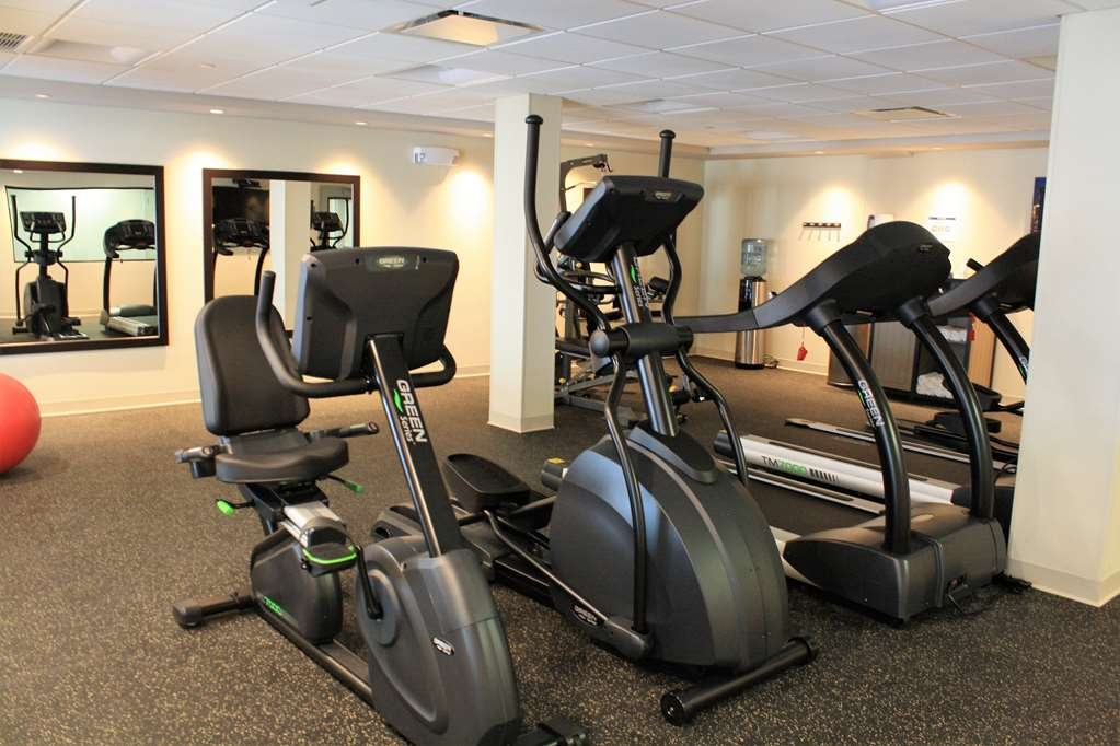 Best Western Premier NYC Gateway Hotel - Burn off last night's dinner in our fitness center.