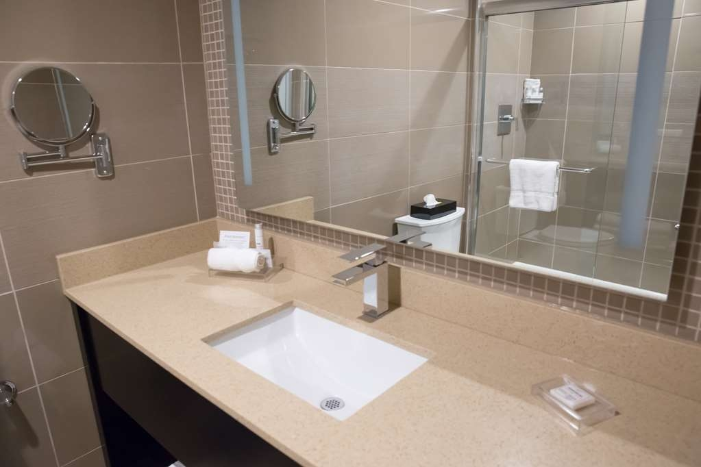 Best Western Premier NYC Gateway Hotel - We take pride in making everything spotless for your arrival.