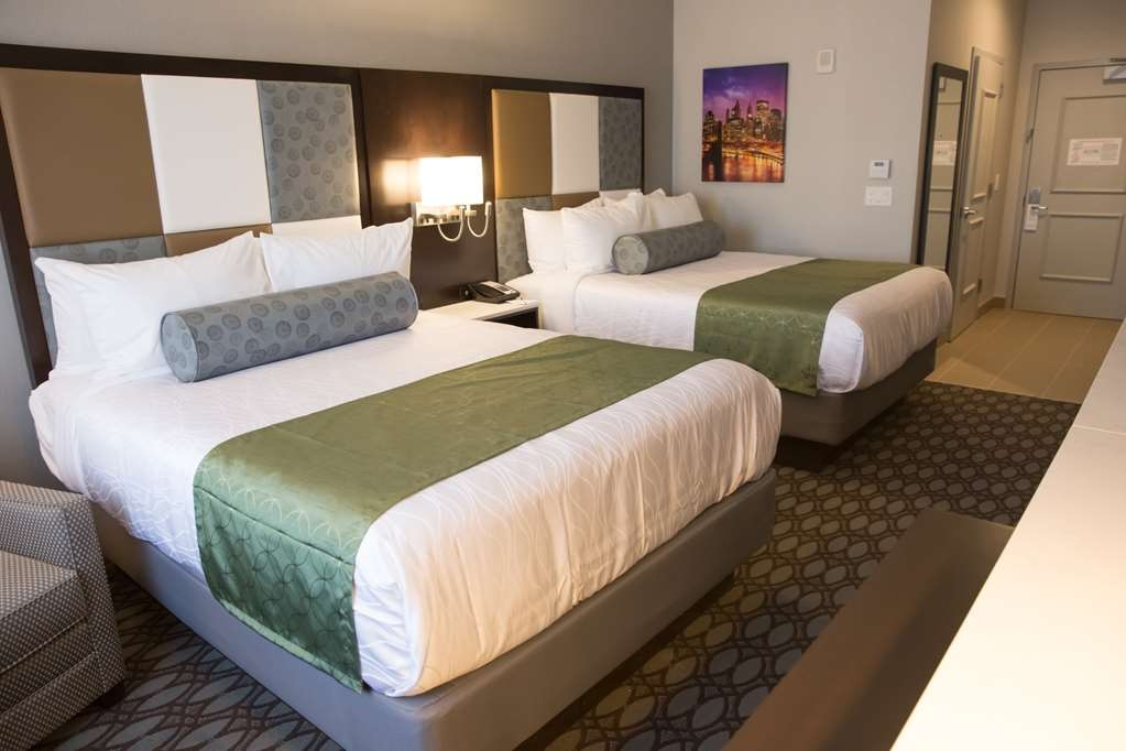 Best Western Premier NYC Gateway Hotel - We designed our ADA mobility accessible rooms for easy wheelchair access.