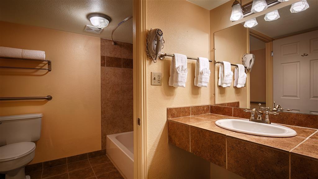 Best Western Phoenix Goodyear Inn - Cuarto de baño de clientes