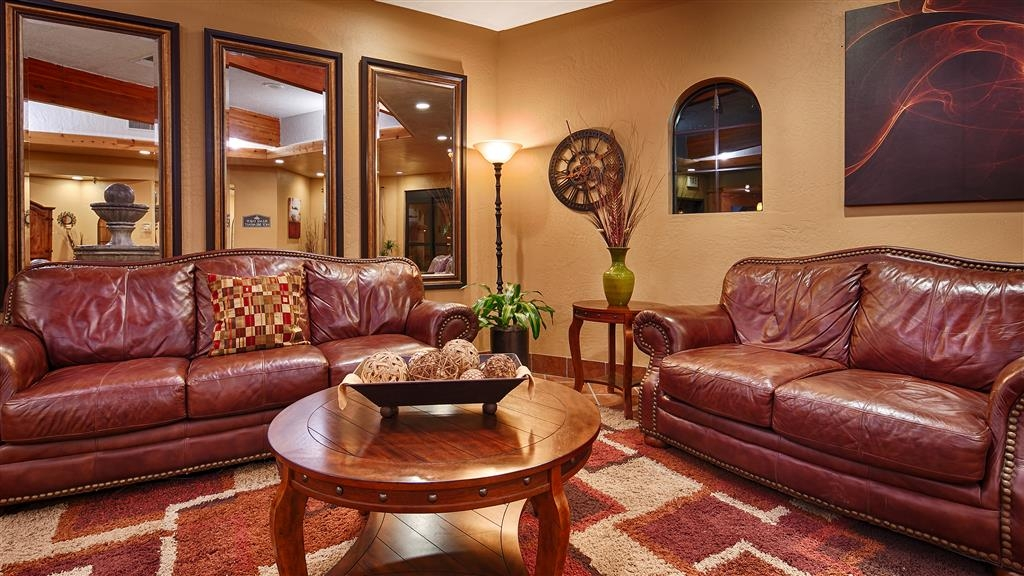 Best Western Phoenix Goodyear Inn - Come relax in our lobby and have some fresh coffee available 24 hours a day.