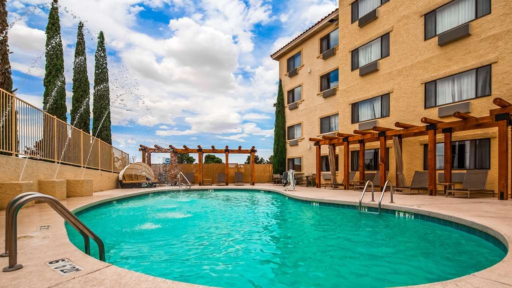 Best Western Plus at Lake Powell - Relax in our oversized pool patio. Enjoy evening desert breeze and Southwest night skies.