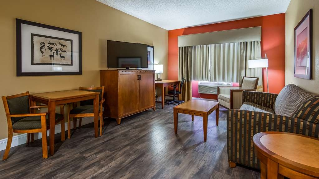 Best Western Plus at Lake Powell - Relax in the living room of our two room suite with 52-inch ultra-thin TV.