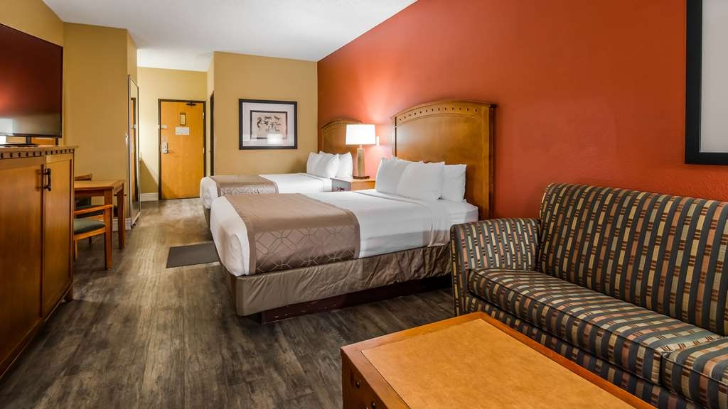 Best Western Plus at Lake Powell - Deluxe Room (Junior) with 2 queen sized beds with a sofa (Not a sofa bed).