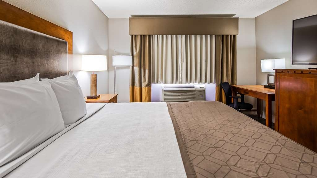 Best Western Plus at Lake Powell - Comfortable beddings.