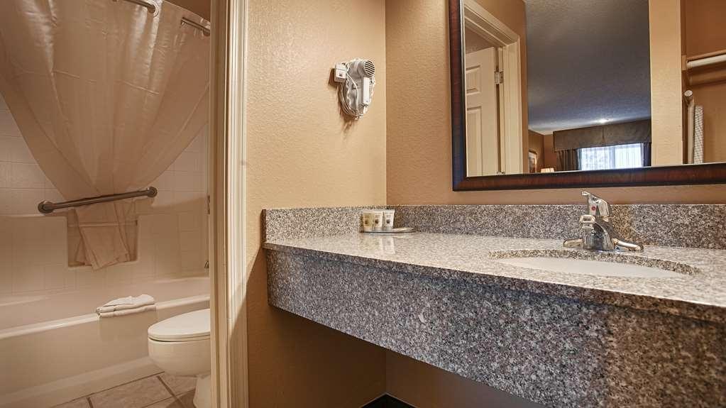 Best Western Sunrise Inn - Guest Bathroom