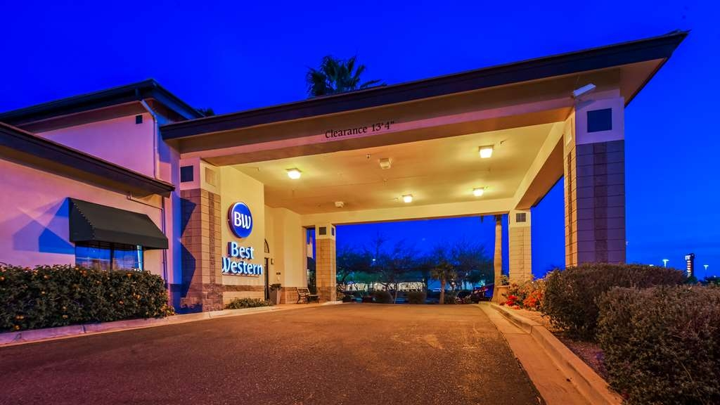 Best Western Superstition Springs Inn - Façade