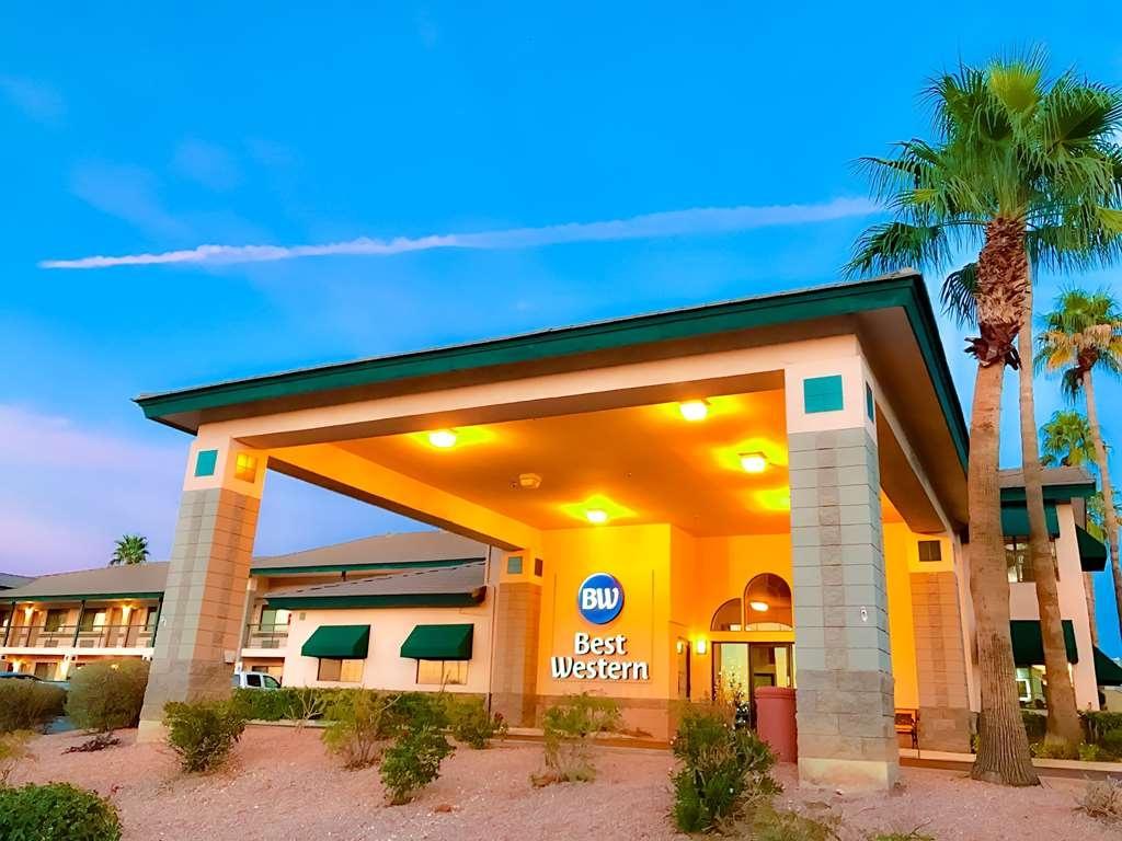 Best Western Superstition Springs Inn - Facciata dell'albergo