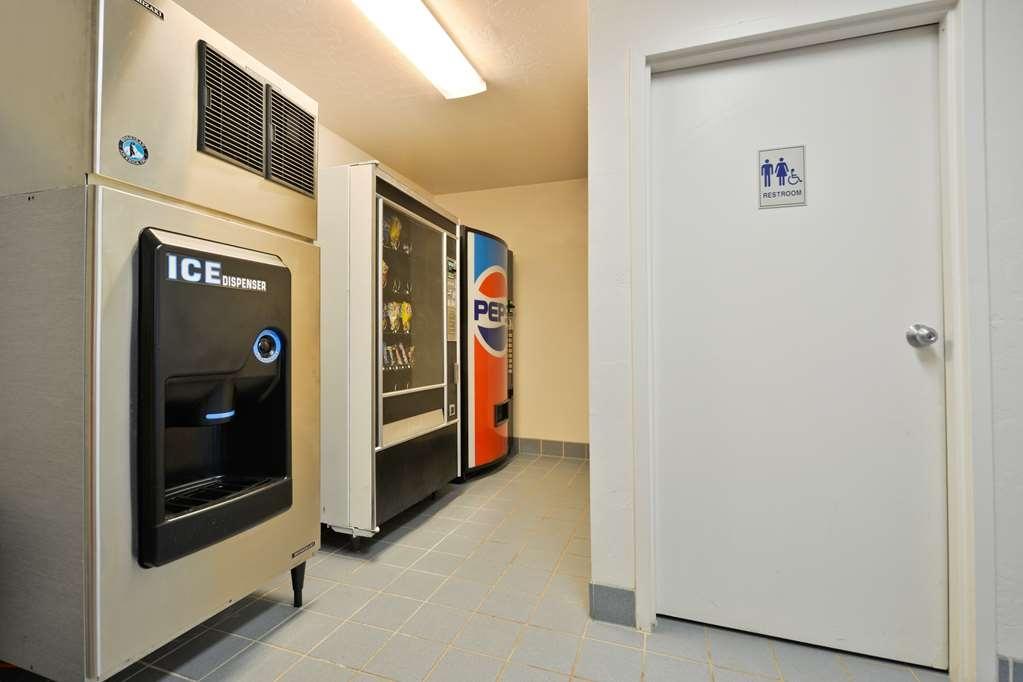 Best Western Sawmill Inn - Vending machine
