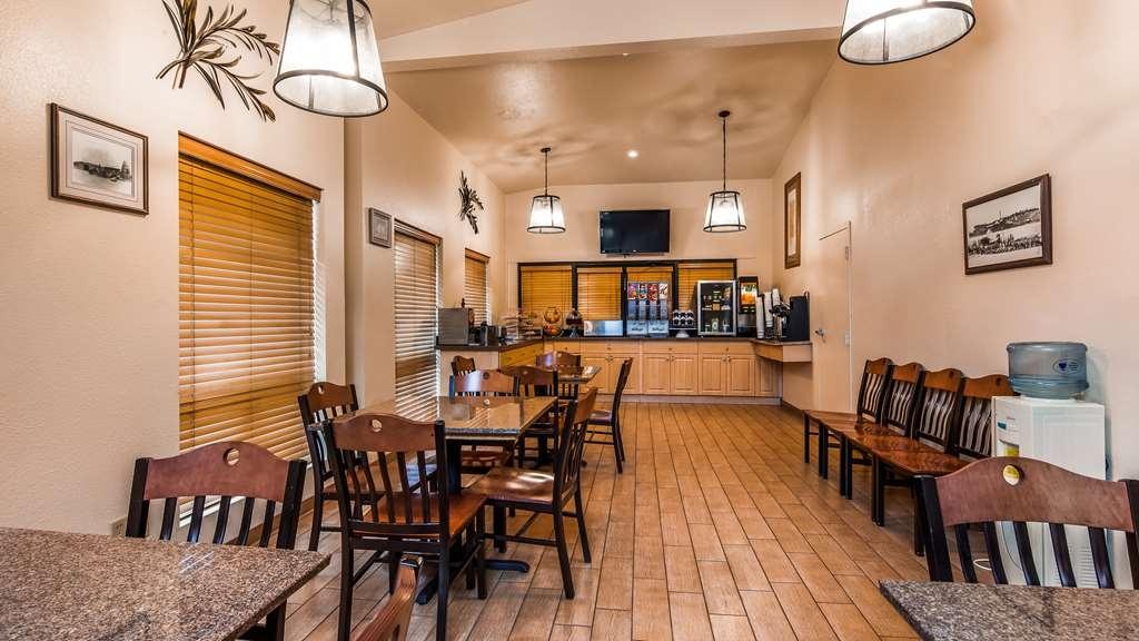 Best Western Sawmill Inn - Breakfast Room
